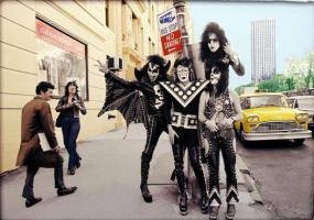 Прикрепленное изображение: Kiss+New+York+City+1974.jpg