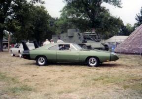 Прикрепленное изображение: 1969-dodge-charger-daytona-se.jpg