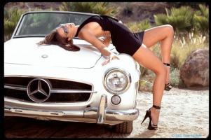 Прикрепленное изображение: mercedes_car-babe.jpg