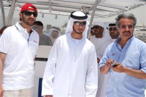 Прикрепленное изображение: Sheikh-Mayed-Wooden-Powerboat-Race-1.jpg