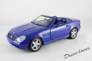 Прикрепленное изображение: Mercedes SLK AMG UT 26153_01.jpg