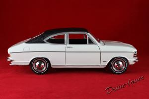 Прикрепленное изображение: Opel Olympia A White Revell 08446_03.jpg