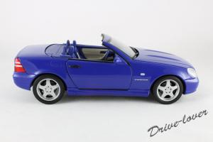 Прикрепленное изображение: Mercedes SLK AMG UT 26153_03.jpg
