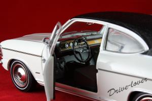 Прикрепленное изображение: Opel Olympia A White Revell 08446_08.jpg