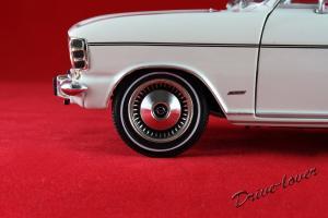 Прикрепленное изображение: Opel Olympia A White Revell 08446_15.jpg