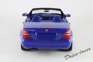 Прикрепленное изображение: Mercedes SLK AMG UT 26153_05.jpg