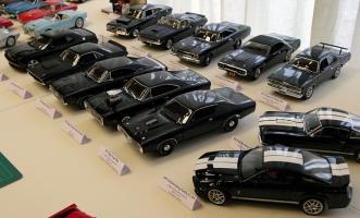 Прикрепленное изображение: svet-v-malem-SVM-2010-Muscle-cars-diecast-exhibition.jpg