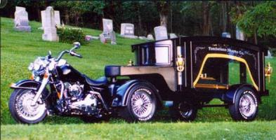 Прикрепленное изображение: gazed202-motorcycle-hearse-004-usa.jpg