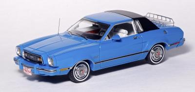 Прикрепленное изображение: Ford Mustang II Ghia - American Excellence Model Car World Exklusiv - 169491 - 1.jpg
