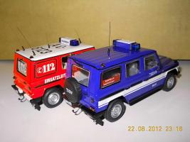 Прикрепленное изображение: Colobox_Mercedes-Benz_240GD_W460_THW_Minichamps~04.jpg