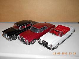 Прикрепленное изображение: Colobox_Mercedes-Benz_280SE_Cabrio_W111_Minichamps~05.jpg