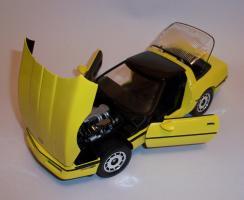 Прикрепленное изображение: Chevrolet Corvette 1986 ERTL (9).JPG