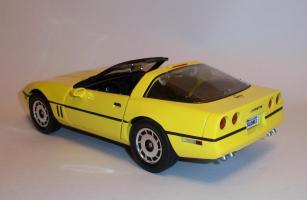 Прикрепленное изображение: Chevrolet Corvette 1986 ERTL (2).JPG