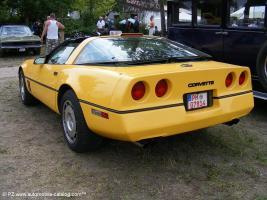 Прикрепленное изображение: 1986 Chevy Corvette 1-18 ERTL - 2150р. (5).jpg
