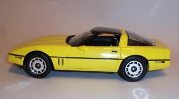 Прикрепленное изображение: Chevrolet Corvette 1986 ERTL (8).JPG