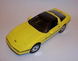Прикрепленное изображение: Chevrolet Corvette 1986 ERTL (7).JPG