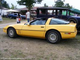 Прикрепленное изображение: 1986 Chevy Corvette 1-18 ERTL - 2150р. (3).jpg