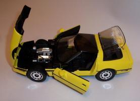 Прикрепленное изображение: Chevrolet Corvette 1986 ERTL (10).JPG