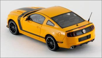 Прикрепленное изображение: 2013 Ford Mustang BOSS 302 - Schuco Pro R - 450883300 - 4_small.jpg