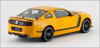 Прикрепленное изображение: 2013 Ford Mustang BOSS 302 - Schuco Pro R - 450883300 - 2_small.jpg