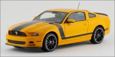 Прикрепленное изображение: 2013 Ford Mustang BOSS 302 - Schuco Pro R - 450883300 - 1_small.jpg