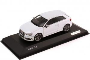Прикрепленное изображение: Audi S3 (8V) 2013.jpg
