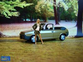 Прикрепленное изображение: Fiat_Ritmo_Cabrio_Bertone_1982_gold_metallic_collage_web_01.jpg