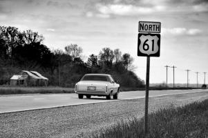 Прикрепленное изображение: Cadillac-Coupe-deVille-rear-right-view-2.jpg