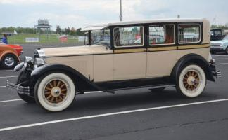 Прикрепленное изображение: 1928 Buick.jpg