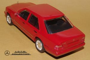 Прикрепленное изображение: 118. 1993 W124 E320 (Herpa) (3).JPG