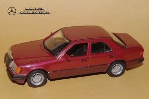 Прикрепленное изображение: 109. 1989 W124 300D (Minichamps) (2).JPG