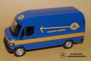 Прикрепленное изображение: 106. 1987 T1 207D Kastenwagen (IXO) (2).JPG