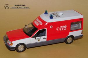 Прикрепленное изображение: 110. 1989 W124 Krankenwagen (Minichamps) (2).JPG