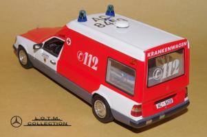 Прикрепленное изображение: 110. 1989 W124 Krankenwagen (Minichamps) (3).JPG