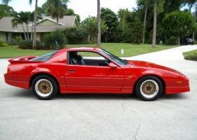 Прикрепленное изображение: 1989_Pontiac_Trans_Am_Firebird_GTA_For_Sale_Profile_1.jpg