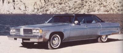 Прикрепленное изображение: `76 Oldsmobile Regency Ninety-Eight.jpg