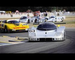 Прикрепленное изображение: mercedes-sauber-c9-le-mans-winner-1989-2.jpg