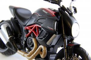 Прикрепленное изображение: Ducati Diavel Carbon (20).JPG