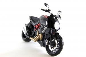 Прикрепленное изображение: Ducati Diavel Carbon (4).JPG