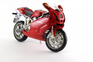 Прикрепленное изображение: Ducati 999 Testastretta (3).JPG