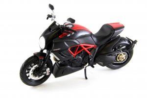 Прикрепленное изображение: Ducati Diavel Carbon (1).JPG