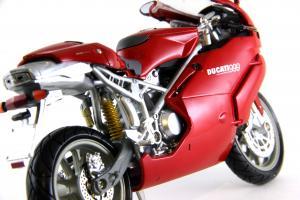 Прикрепленное изображение: Ducati 999 Testastretta (7).JPG