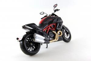 Прикрепленное изображение: Ducati Diavel Carbon (5).JPG