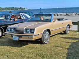 Прикрепленное изображение: Dodge 600 Convertible 1984.jpg