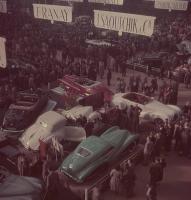 Прикрепленное изображение: Automobile Show in Paris, 1948 (5).jpg