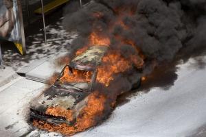 Прикрепленное изображение: fire_cars_05.jpg