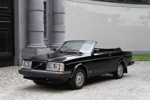 Прикрепленное изображение: 1981_Volvo_262C_Solaire.jpg