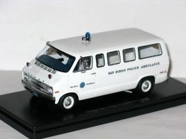 Прикрепленное изображение: Dodge Sportsman San Diego Police Ambulance 002.JPG