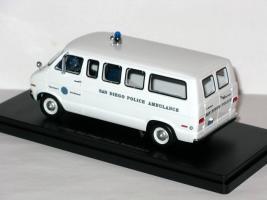Прикрепленное изображение: Dodge Sportsman San Diego Police Ambulance 004.JPG
