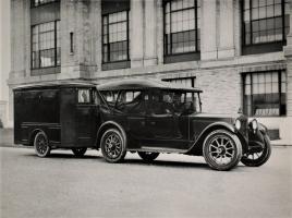 Прикрепленное изображение: 1920 Packard Twin Six trailer.jpg